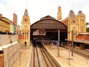 A língua portuguesa passa também pela Estação da Luz em SP